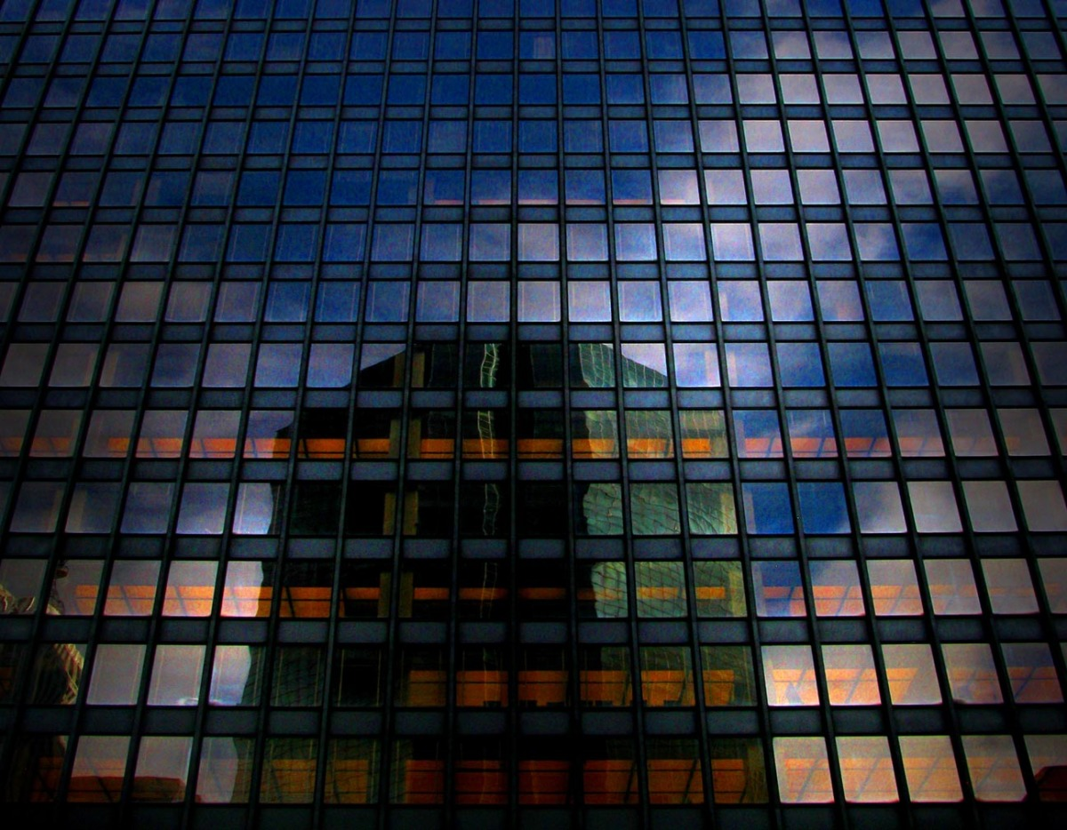 seagram_building_reflection_small3